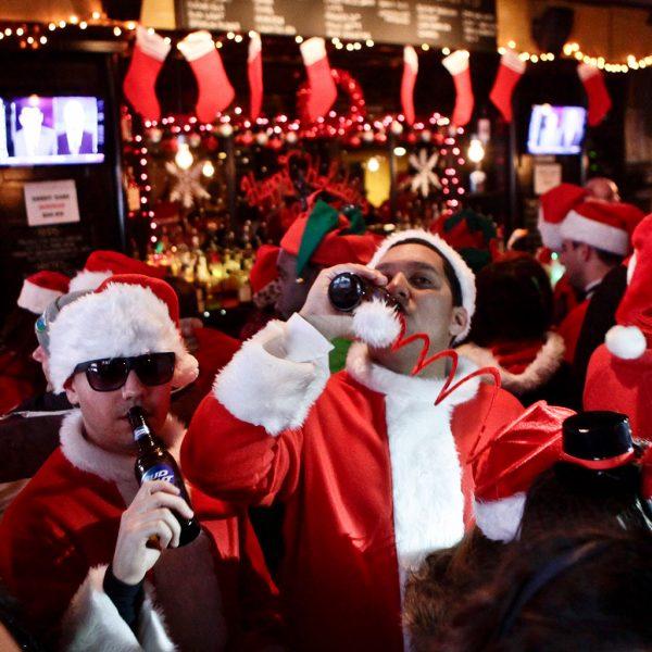 Santa bar crawl madrid