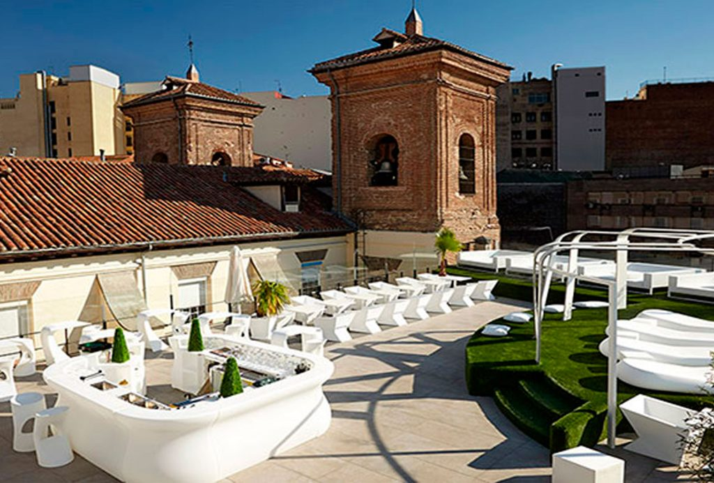 Gymage Rooftop Bar Madrid pub crawl