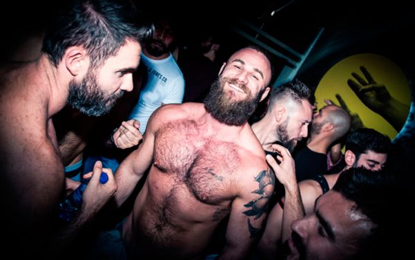madrid pub crawl gay