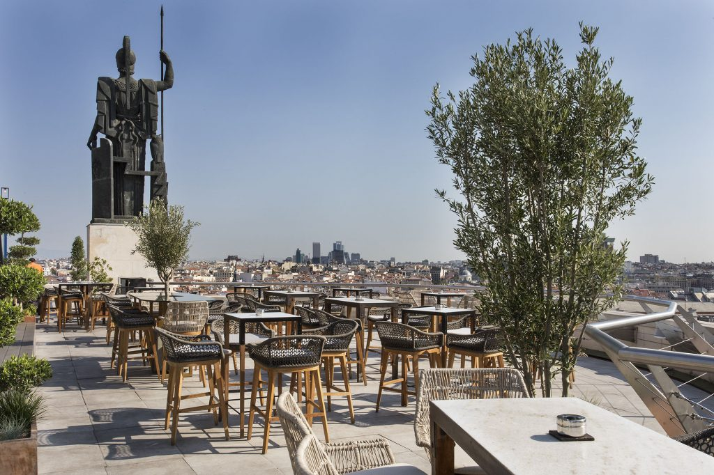 5. Rooftop Bar Madrid Circulo de Bellas Artes pub crawl