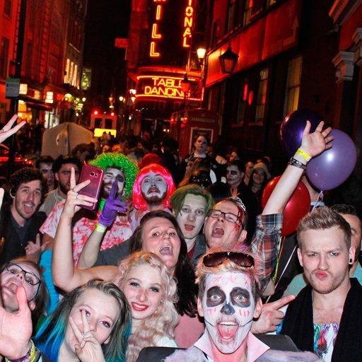 pub crawl madrid halloween